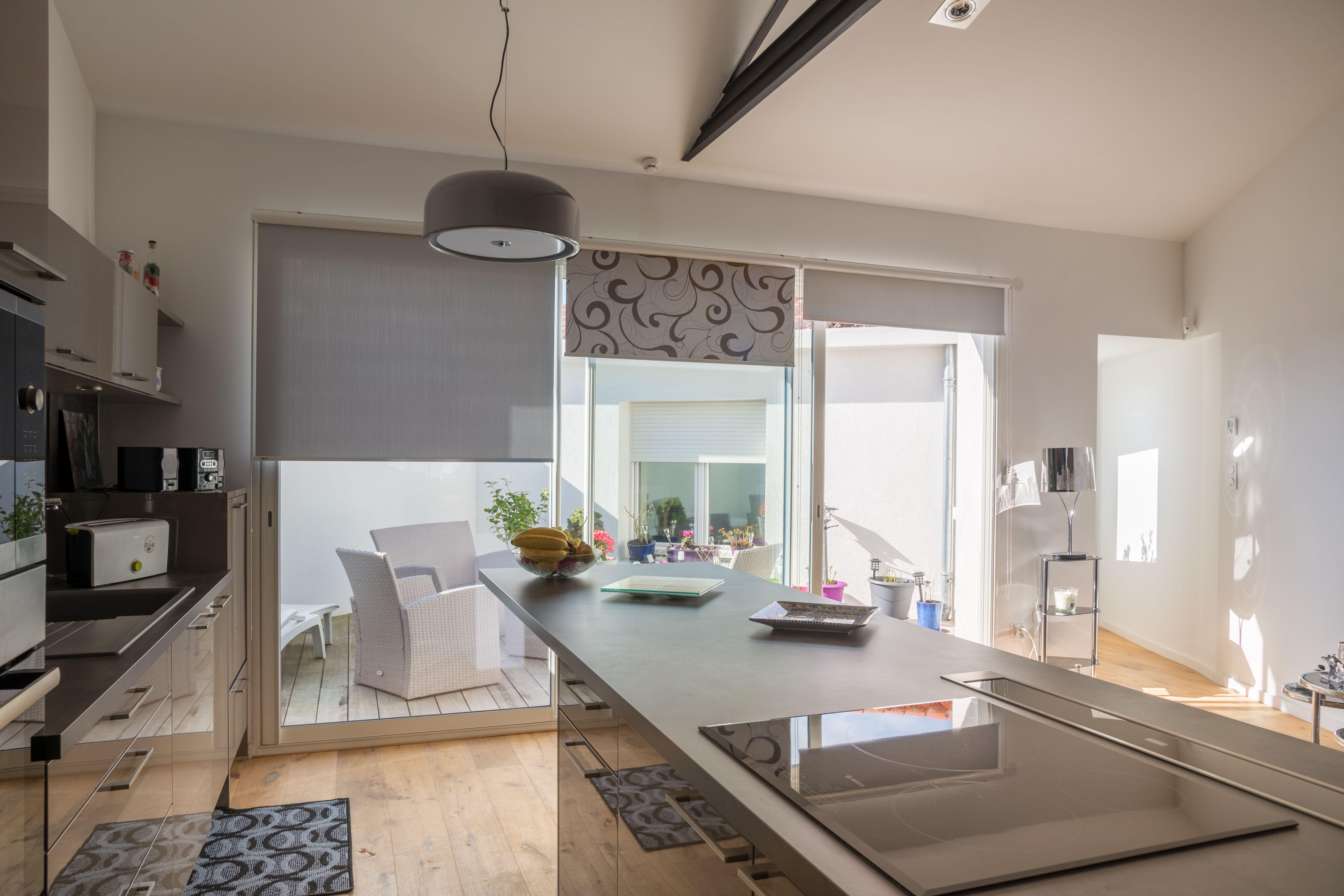 stores verticaux anti chaleur pour v randas fen tres et baies vitr es. Black Bedroom Furniture Sets. Home Design Ideas