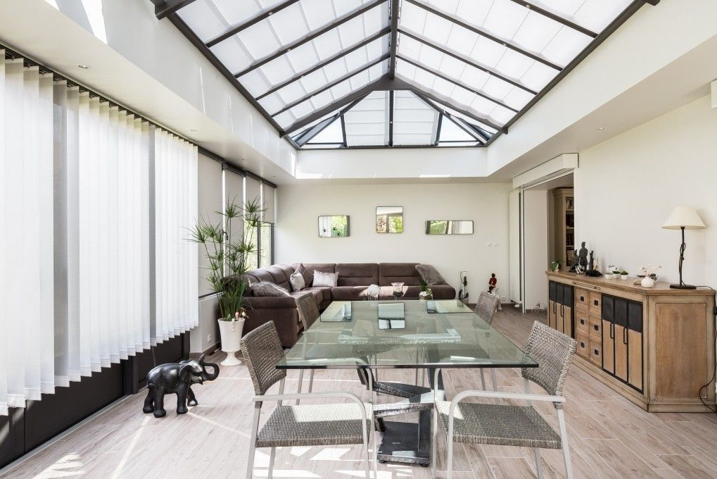 oasis. Black Bedroom Furniture Sets. Home Design Ideas